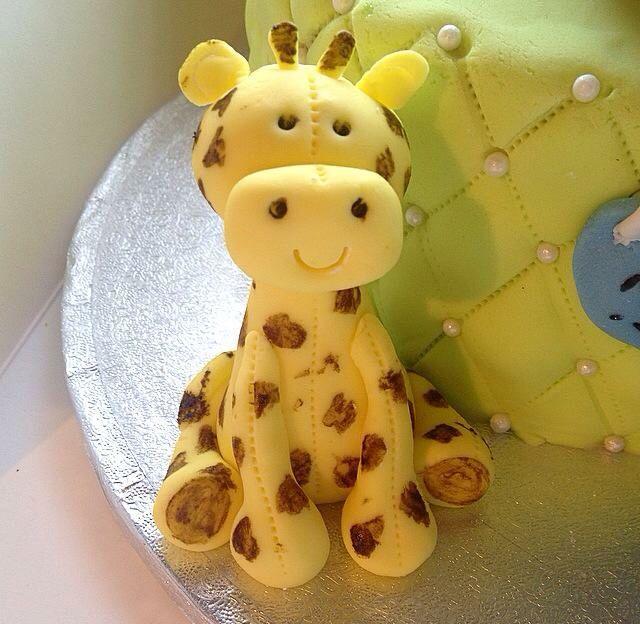 #Giraffe #FondantFigure #Cute #BabyShower