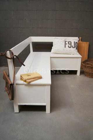 echte oude brocante klepbank  hoekbank te koop bij www.old-basics.nl ; webshop en enorme loods vol unieke oude meubelen