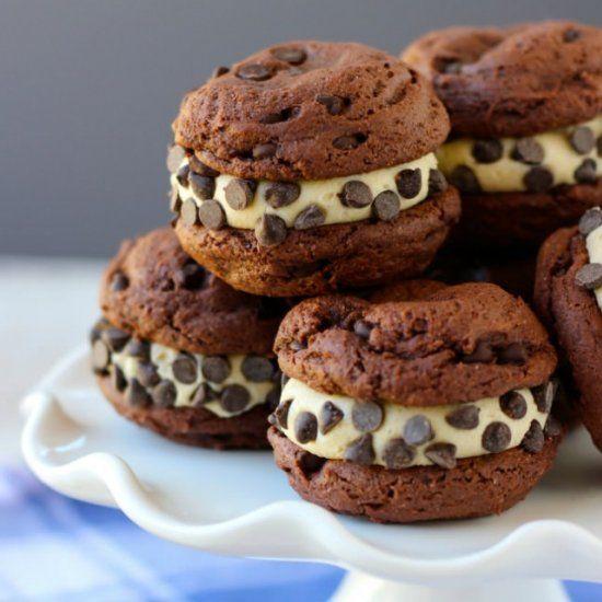 Easy Homemade Cookie Dough Oreos
