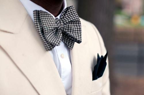 the style of a guyCar Girls, Bows Ties, Bow Ties, Black White, Men Fashion, Cars Girls, Bowties, Pocket Squares, Girls Style