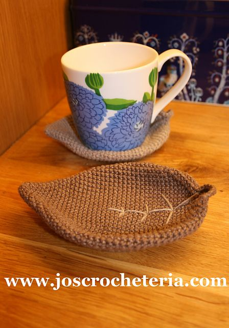 JO's Crocheteria has a free Ravelry download for a leaf coaster #crochet pattern