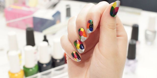 Nail art: il tutorial per unghie con le bolle colorate -cosmopolitan.it