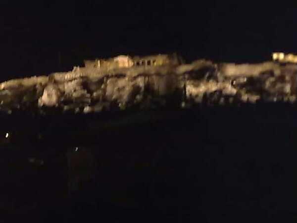 #view  #loukoumi #loukoumibar #athensview #monastiraki #bar #monastiraki #plateia_avyssinias #avyssinias #view_terrace #acropolis #acropoli #thea #taratsa #cocktails