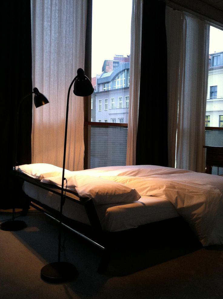 28 best beds we 39 ve slept in images on pinterest bed bedding and beds. Black Bedroom Furniture Sets. Home Design Ideas