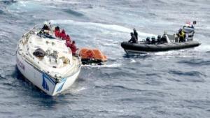 HMS Dragon Lalukan Penyelamatan Awak Kapal Pesiar di Atlantik