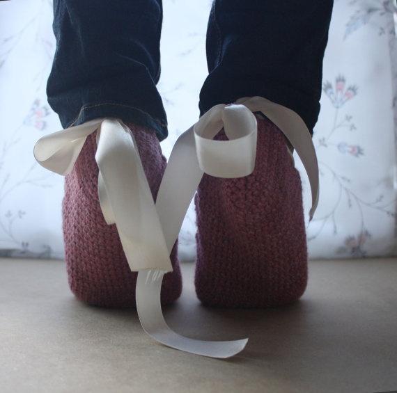 Crochet Slippers with White Ribbon for Women by WhiteBergamot, €19.00