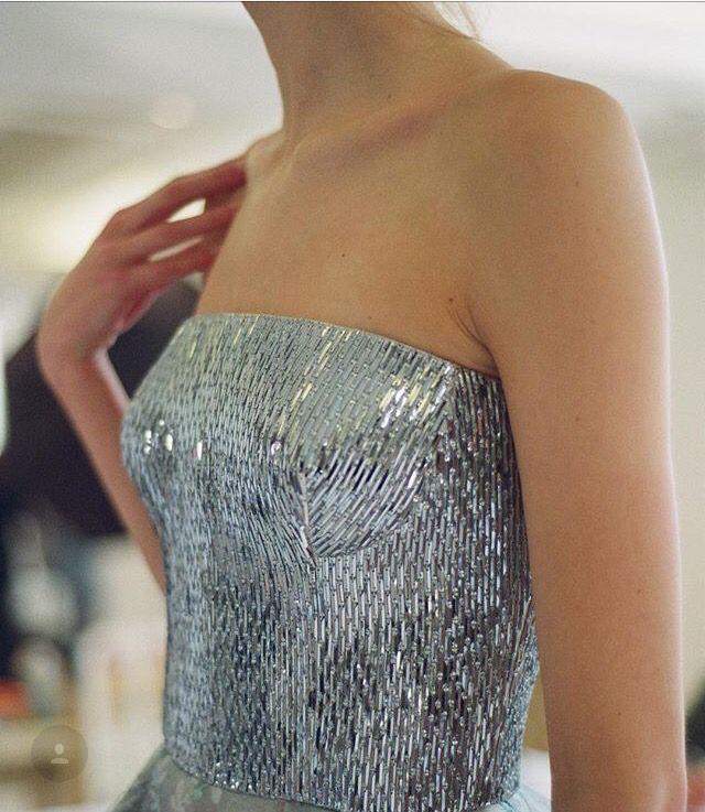 Oscar De Larenta #oscardelarenta #beaded #embroidered #bodice