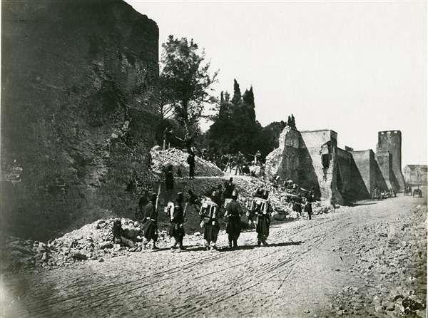 1870 Altobelli Gioacchino . Breccia di porta Pia, ricostruzione dell' assalto , ristampa novecentesca,