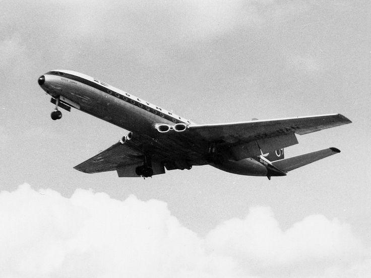 Olympic Airways De Havilland DH-106 Comet 4B (Queen Sophia) [SX-DAN]