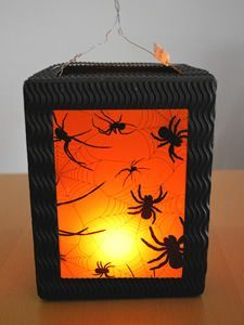 Geweldig lampionnen!! Perhaps with a tissue box, cut out on each side for a lantern at Halloween.
