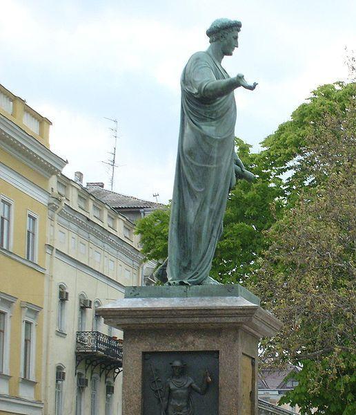 """Памятник Дюку де Ришелье, Одесса. """"Посмотри на Дюка с люка - что он делает, падлюка?!"""""""