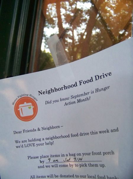 Easy volunteer project for kids! Tips and Free Printable Flyer for your own food drive!