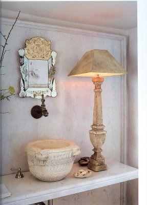 John Saladino-Genius: Decor, Guest Bathroom, Venetian Mirror, Old World Style, Johnsaladino, Bathroom Sinks, Powderroom, John Saladino, Powder Rooms