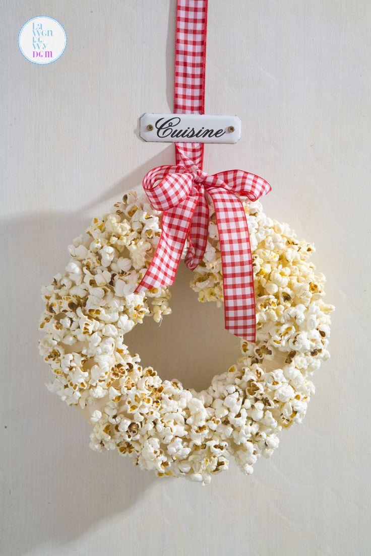 swiateczny-wieniec-z-popcornu-diy09