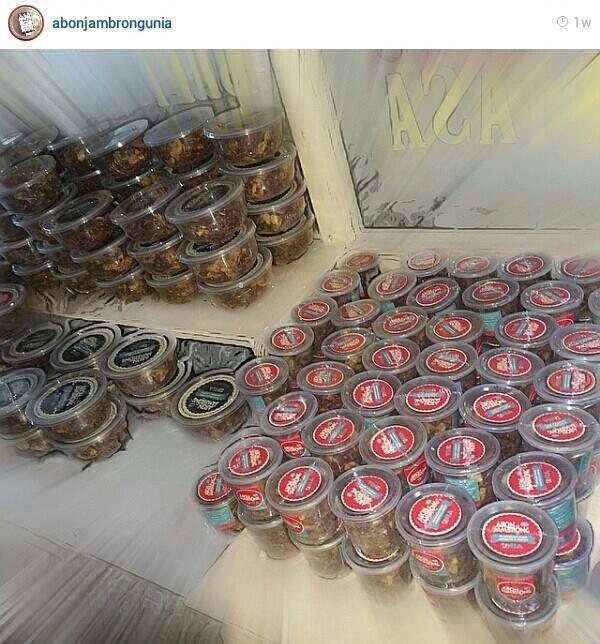 Peluang Bisnis Menarik Dari Abon Jambrong Unia.   Abon jambrong Unia menawarkan peluang bisnis yang sangat menarik untuk memasarkan abon jambrong. Abon jambrong adalah abon yang terbuat dari ikan jambrong dan di olah dengan resep rahasia yang menghasilkan rasa yang manis pedas yang menggugah selera.  http://abonjambrong.com/peluang-bisnis-menarik-dari-abon-jambrong-unia/