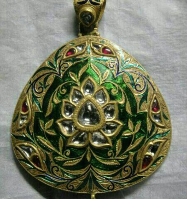 22ct Indian Gold Pendant Set 993 99: 791 Best Loket Sets Images On Pinterest