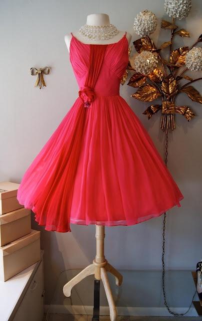 : Silk Chiffon, Vintage Fashion, Vintage Dresses, Vintage Style Dresses, Pretty Vintage Red Dresses, Dreams Dresses, Clothing Boutiques, Vintage Clothing, Portland Oregon