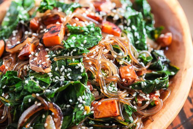 Vegetarian Korean Japchae Noodle Recipe ~ http://steamykitchen.com
