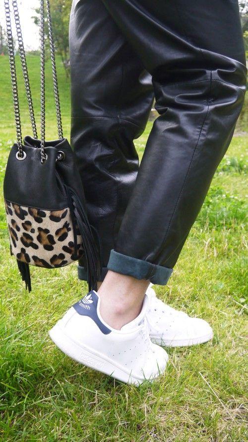 sac seau leopard // Leopard bag via @sophielamodeuse