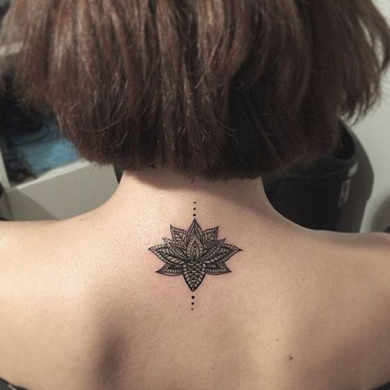 Tatuaż Na Karku Wzory Tak Urocze że Zechcecie Je Mieć