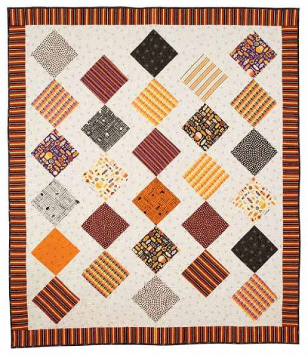 Easy to make bed size Halloween quilt that uses 10