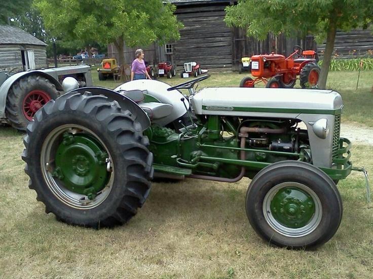 E B B Bc Ea E B F F D Antique Tractors Old Tractors