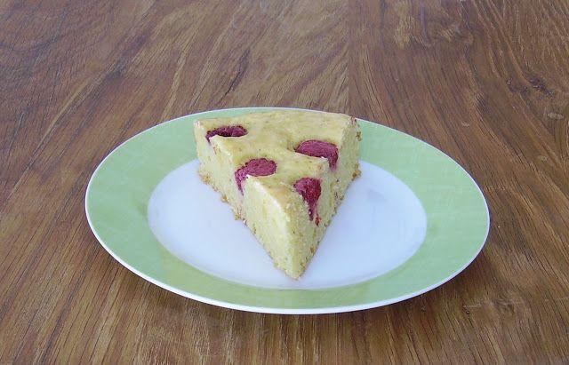 Mia's Gluten free Coffee Shop: Gluten free Lime-Raspberry Cake
