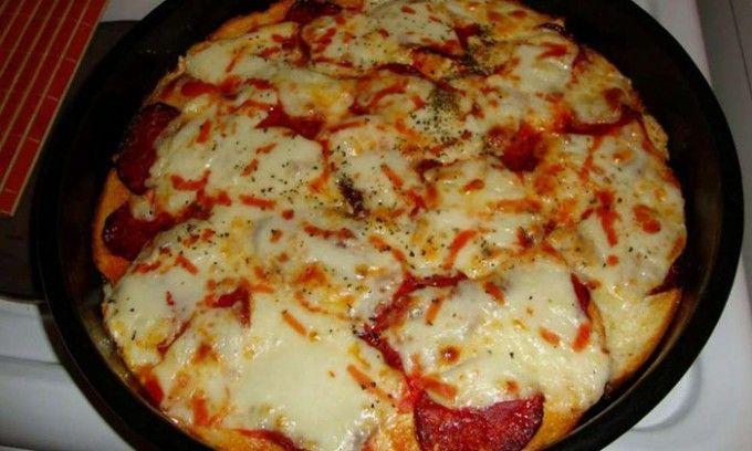 Käsepizza aus altem Brot für ein paar Mäuse