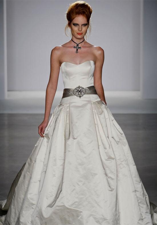 73 best Priscilla of Boston images on Pinterest | Wedding frocks ...