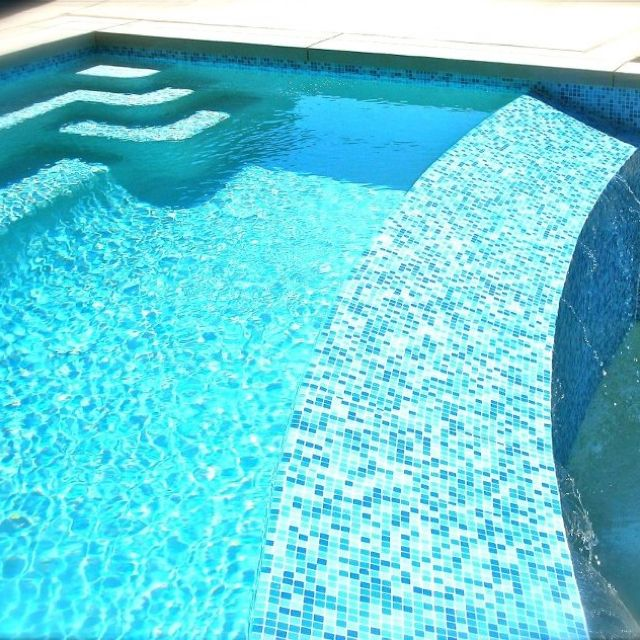 Brio Blend Cool Pool Blue Glass Mosaic Tile Swim Mosaics And Tile