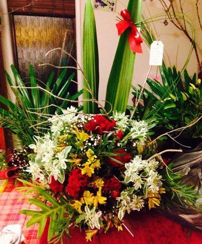 Xmas Floral arrangement Photos & flowers by Eleena www.missbloomfields.com