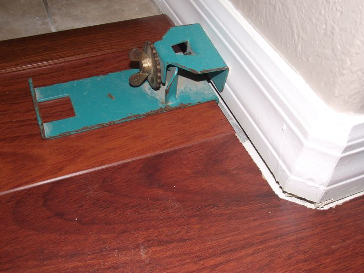 Original Pergo End Clamp Used To Install Laminate Flooring The Gap Can Be Adjusted With