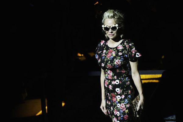 Pamela Anderson Photos Photos - Image has been desaturated.) Pamela Anderson attends the Dolce & Gabbana show during Milan Fashion Week Fall/Winter 2017/18 on February 26, 2017 in Milan, Italy. - Dolce & Gabbana Alternative Views - Milan Fashion Week Fall/Winter 2017/18