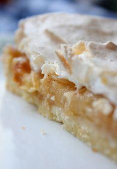 Apfelkuchen mit Baiserhaube - schnell und einfach (ohne Milch)