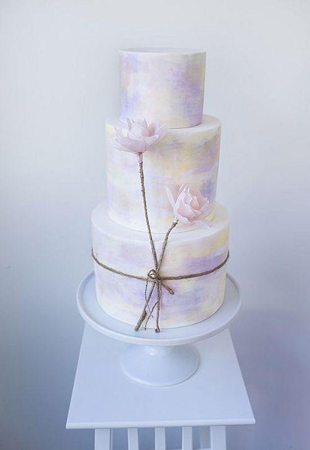 Lilac Wedding Cake | Confetti.co.uk