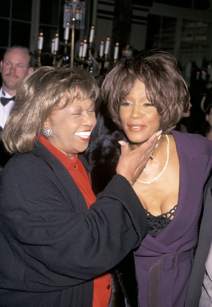 """Chatter Busy: Whitney Houston's Mother Cissy Slams Lifetime Movie: """"Let Her Rest!"""""""