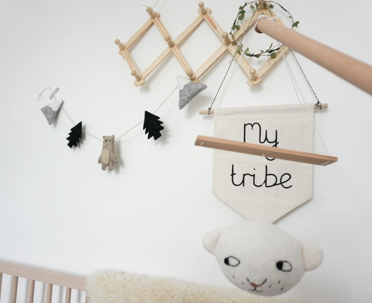 Mountain Bear Garland in natural tones. Perfect in a white/grey/wood nursery. Such a calming space with bunting, pennant and sweet mobile.