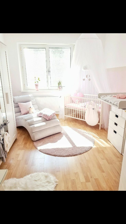 Kinderzimmer in grau, weiß rosa Wandgestaltung ideen