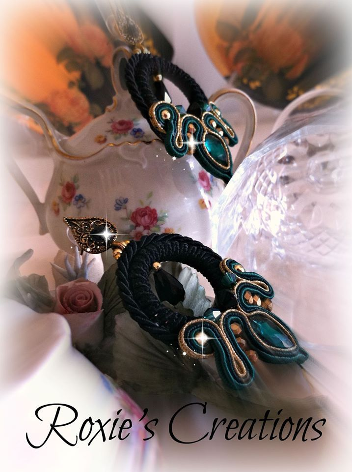 orecchini soutache e cristalli https://www.facebook.com/pages/Roxies-Creations/1425843984294757