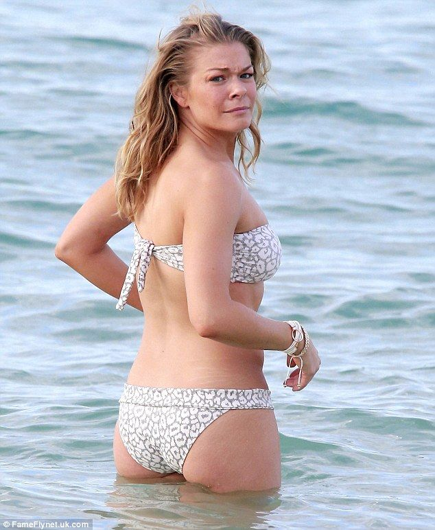 LeAnn Rimes hit the water in Hawaii in January Pic 9 of 35