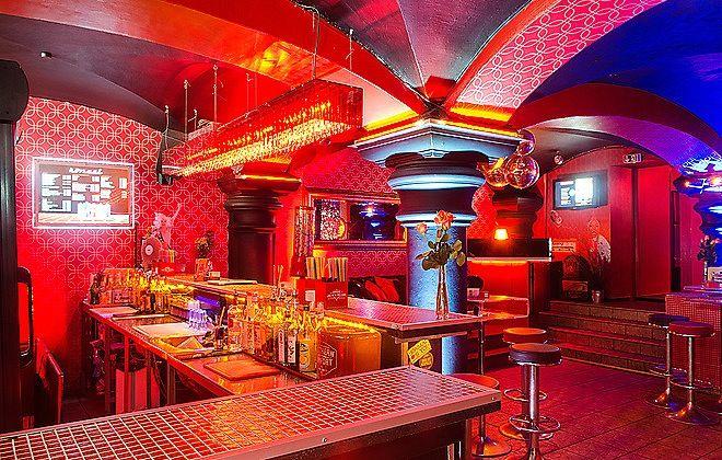 Der Hörsaal in Hamburg die ideale Party Location an Silvester! #Silvester #Reeperbahn #Hamburg #Hörsaal #Silvesterparty http://blog.eventsofa.de/silvesterlocations-2016-silvesterparty-organisieren/