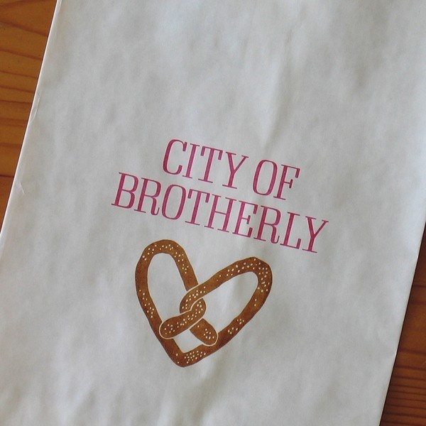 Philadelphia Wedding Gift Bag Ideas : ... bags soft pretzels favor bags gift bags philadelphia wedding wedding