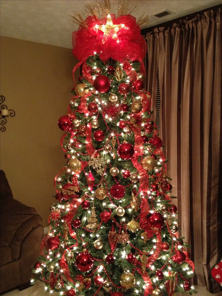 Attractive Red And Gold Christmas Tree