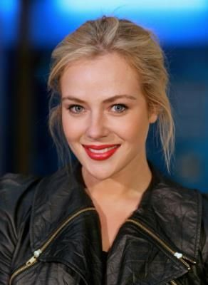 Jessica Marais TV actress - Packed to the Rafter,