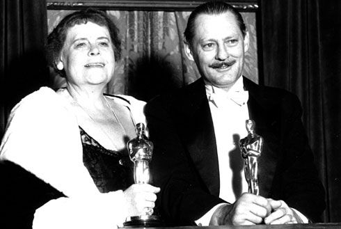 """Lionel Barrymore, won the academy award for best actor for """"A Free Soul"""" the same year that Marie Dressier did 1930"""
