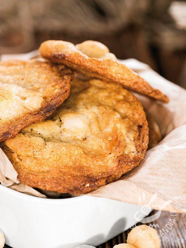 I Biscotti con noci di Macadamia e cioccolato bianco sono irresistibili! Le noci Macadamia (australiane) hanno un sapore che ricorda la noce di cocco. #biscottinocimacadamia