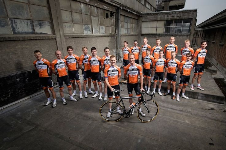 Les couleurs du peloton 2017 (5) - Découvrez les maillots de Roompot-Nederlandse Loterij, Quick-Step Floors, Sport Vlaanderen-Baloise, LottoNL-Jumbo et Sky pour la saison 2017.  - (Vélo 101)