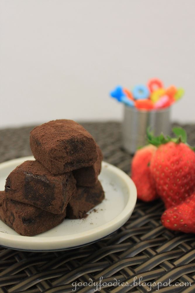 Homemade Japanese Nama Chocolate Recipe (similar to truffles; rich, creamy & only 3 ingredients)