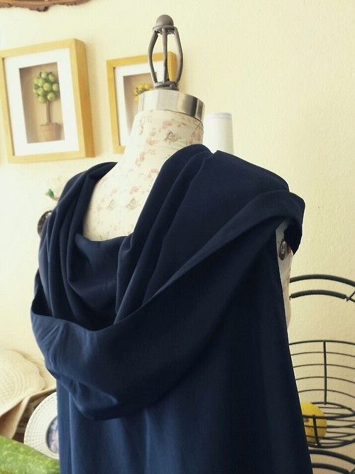 Lucina hooded cowl cape tutorial. It's great and I'm definitely doing this when I work on Lucina