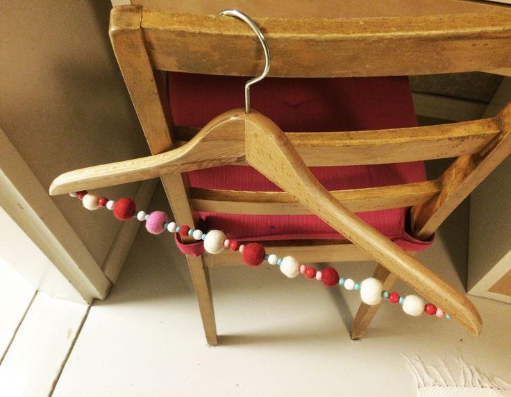 henkari | lasten | lapset | askartelu | joulu | huopa | huopapallo | käsityöt | kädentaidot | idea | koti | DIY ideas | kids | children | crafts | christmas | home | felt | Pikku Kakkonen